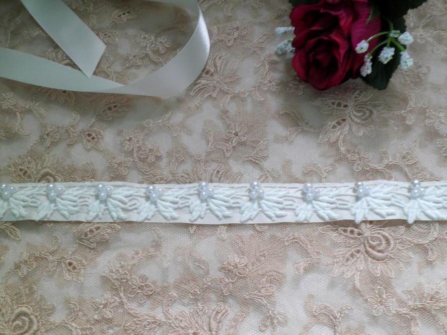 Свадьба - Beaded Lace Ivory Thin Bridal Sash, Satin Ribbon Sash, Bridesmaids Sash, Flower Girl Sash, Wedding Sash, Bridal Belt, Beaded Bridal Belt