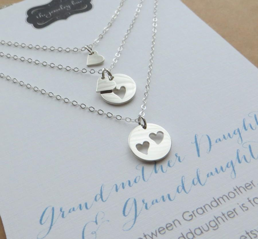 Свадьба - Mothers day gift, three Generations, grandmother mother daughter necklace, set of 3 heart cutout charm, mom gift, mothers day jewelry