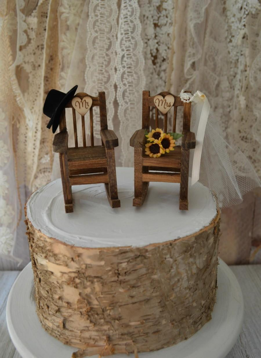 Mariage - Rocking chair wedding cake topper country weddings rustic sunflowers bride groom Mr and Mrs hat and veil wedding sign wood chairs western