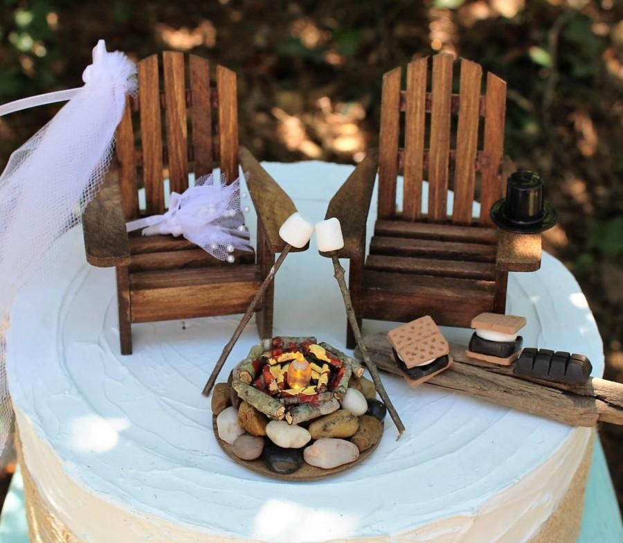 Mariage - Adirondack Chair Wedding Cake Topper, Campfire, Smores and Marshmallows on Stick, Adirondack Chairs, , Bride and Groom, Wedding Cake Topper