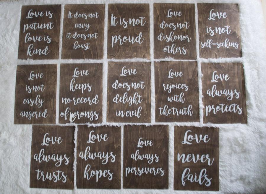 Свадьба - Wedding Aisle Signs, 1 Corinthians 13, Love Is Patient love is kind, Rustic Wedding, Ceremony Decor, Wedding Decor, Set of 8, Set of 14