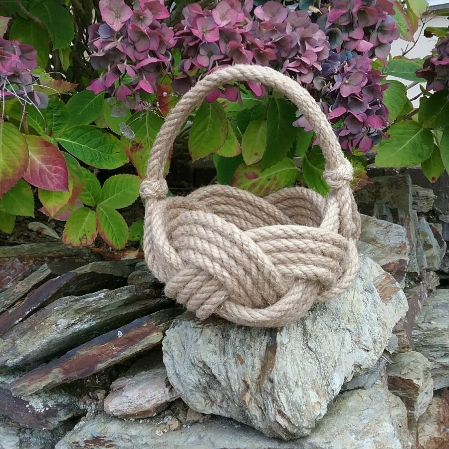 Свадьба - Rope Flower Girl Basket, Rustic Wedding, Nautical Jute Rope Knot Bowl with Handle. Rope Planter. Hand made. Hamper Base.