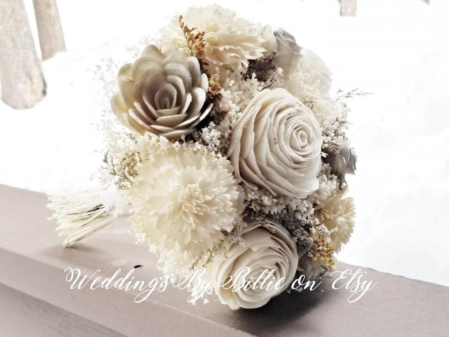Mariage - Champagne Ivory Sola Wedding Bouquet, Sola Flowers, Rustic Wedding, Alternative Bouquet, Bridal Accessories, Keepsake Bouquet, Sola Flowers