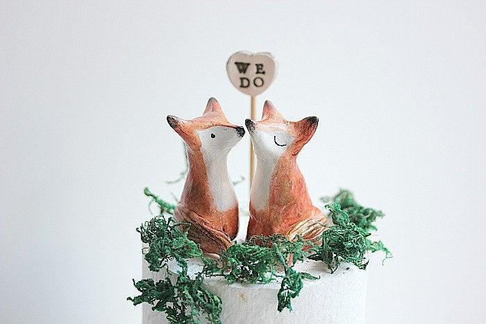 Mariage - Fox Wedding Topper , Fox Wedding Cake Topper, Fox Wedding Gift, Cake topper Made to Order, Fox Wedding, Clay Fox, Fox Baby Shower Gift
