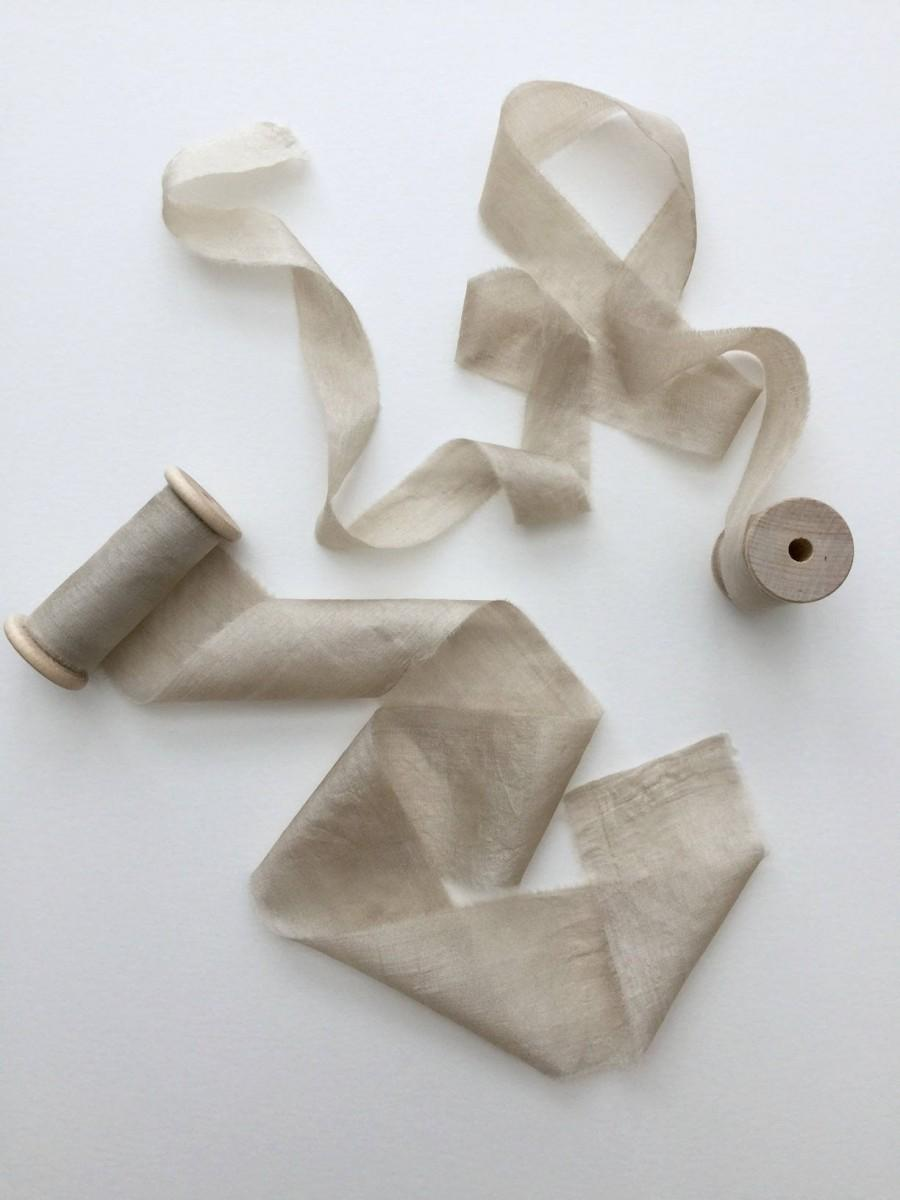 "Hochzeit - Taupe Hand Dyed Silk Ribbon, Plant Dyed, Wooden Spool, Natural Dyeing, (1"", 1.5"", or 2.5"")"
