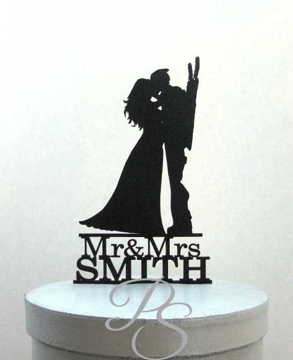 Hochzeit - Personalized Wedding Cake Topper - Deadpool and Bride silhouette with Mr & Mrs last name