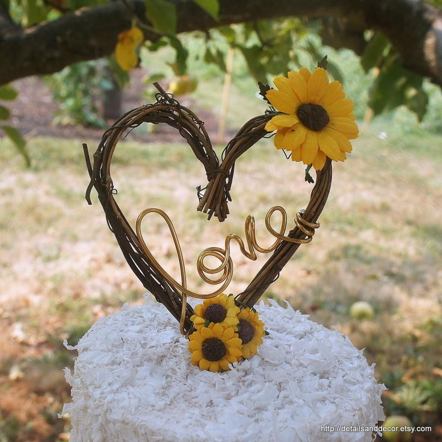 Hochzeit - Grapevine Cake Topper With Paper Sunflowers