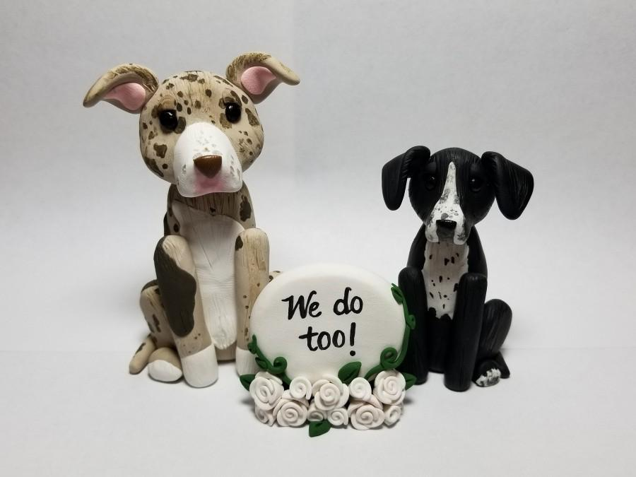 Свадьба - Custom 2 Dog Cake Topper with Sign and Flowers