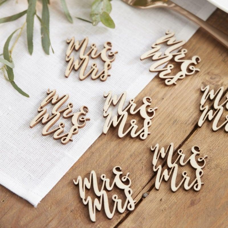 Wedding - Mr & Mrs Wooden Table Confetti //Wedding Day Decorations//Wedding Reception //Bride and Groom//Wedding Table //Wood Decorations //Tableware