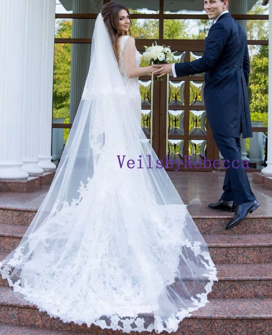 Mariage - 2 tiers cathedral lace veil,drop lace wedding veil in cathedral, 2 tier cathedral blusher lace veil, Vintage lace applique bridal veil V618D