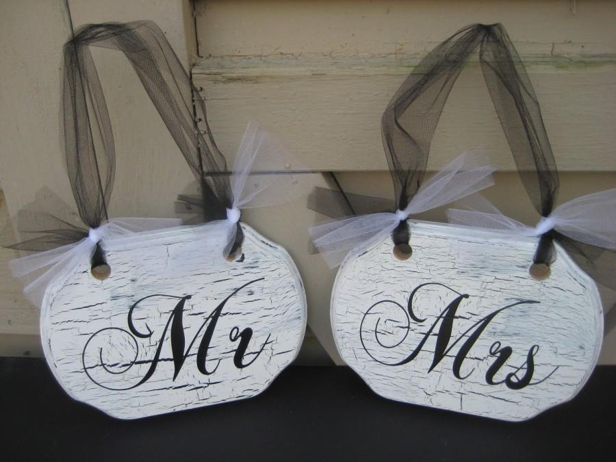 Mariage - Wedding Chair Signs, Chair Signs, Mr and Mrs Signs, Bride and Groom Signs, Wood Chair Signs, Shabby Chic Wedding, Black and White Wedding
