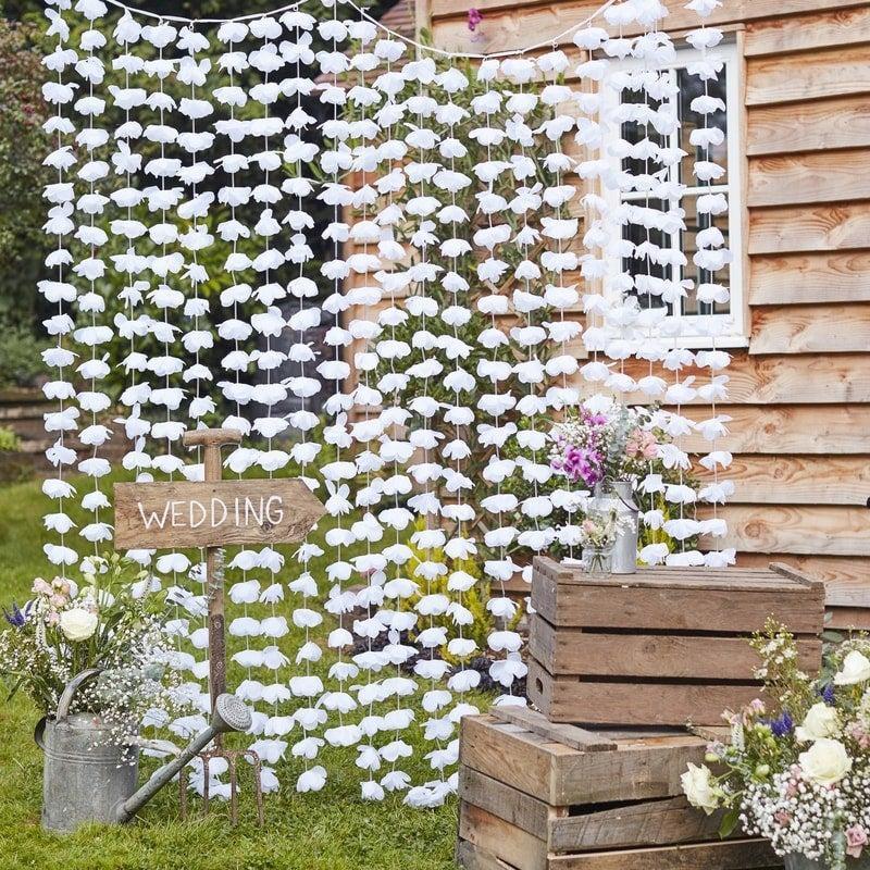 Hochzeit - Floral Backdrop