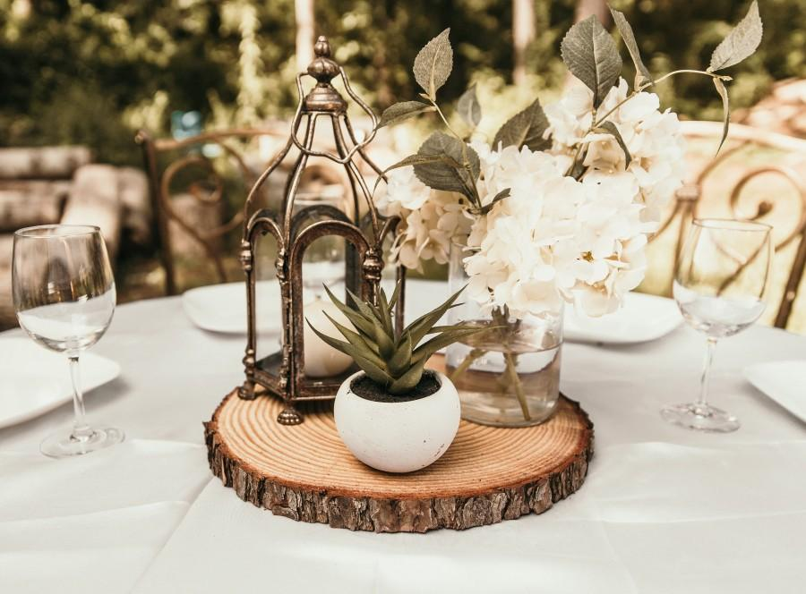 Свадьба - Fully Dry level wood slices! Rustic wood slices for wedding centerpieces tree slices with bark rustic wedding decor rustic centerpieces