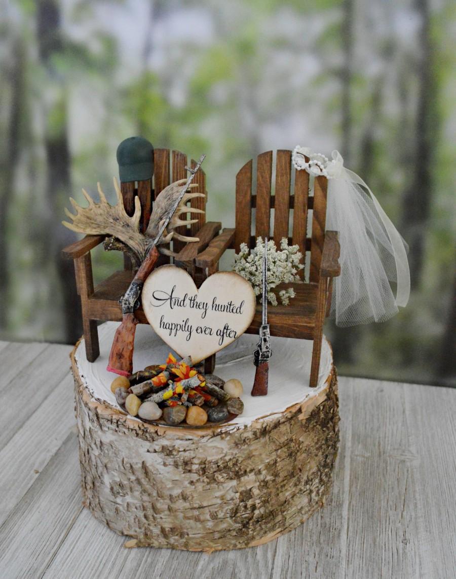 Свадьба - Deer rack themed hunting wedding cake topper shot guns rifles M&Mrs signs campfire fire pit hunter antlers hunting bride and groom rustic