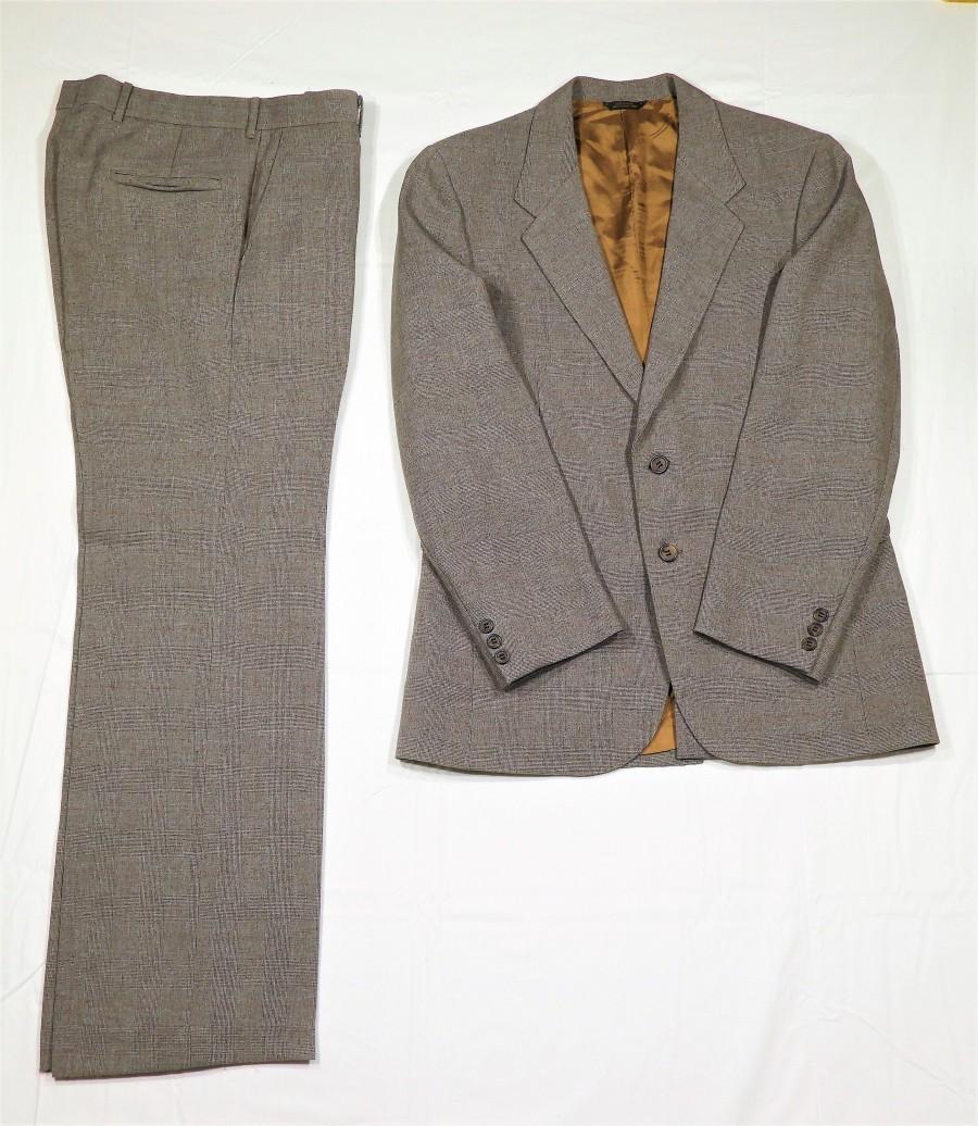 Свадьба - Vintage Glen Plaid Suit, Levis Action Suit, 40 R Jacket Blazer, 32 Waist Slacks, Brown Prince of Wales, Levi Sportswear, Mens Fashion, Style