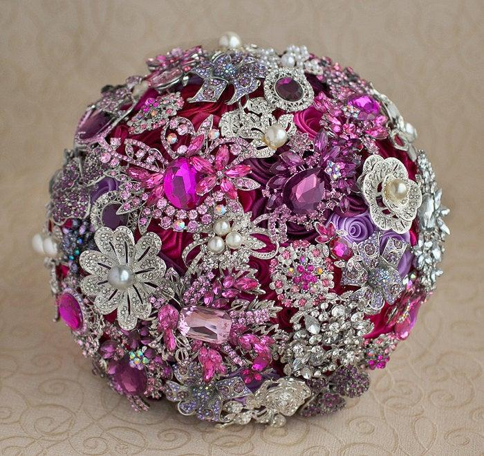 Mariage - Brooch bouquet. Hot Pink, Purple and Silver wedding brooch bouquet, Jeweled Bouquet. Made upon request