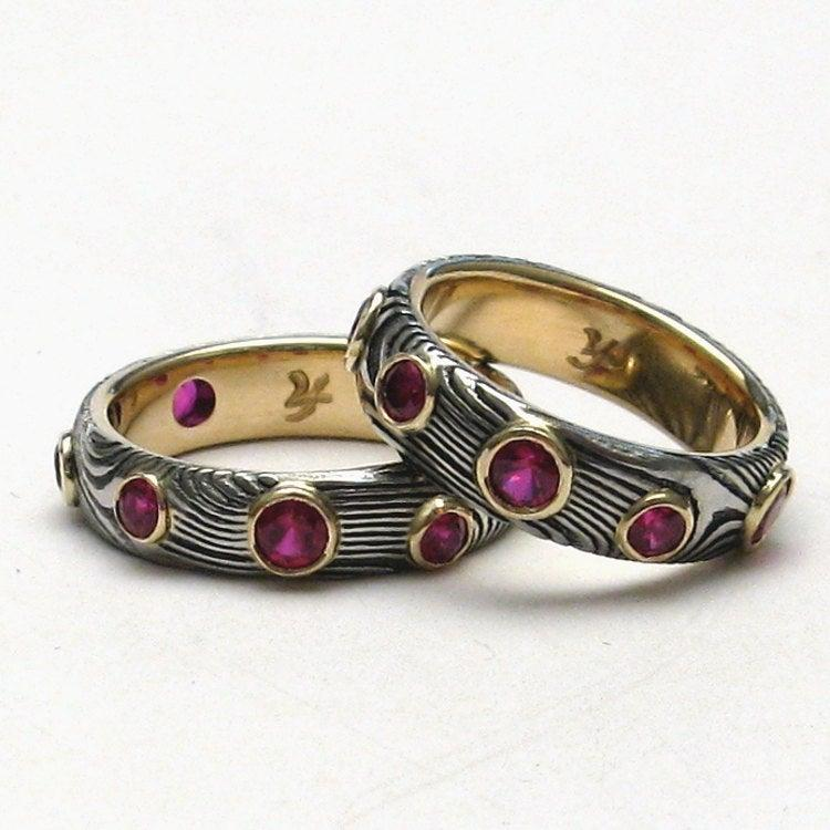 Mariage - Stainless Steel Damascus Rings Lined in 18K Gold with Rubies