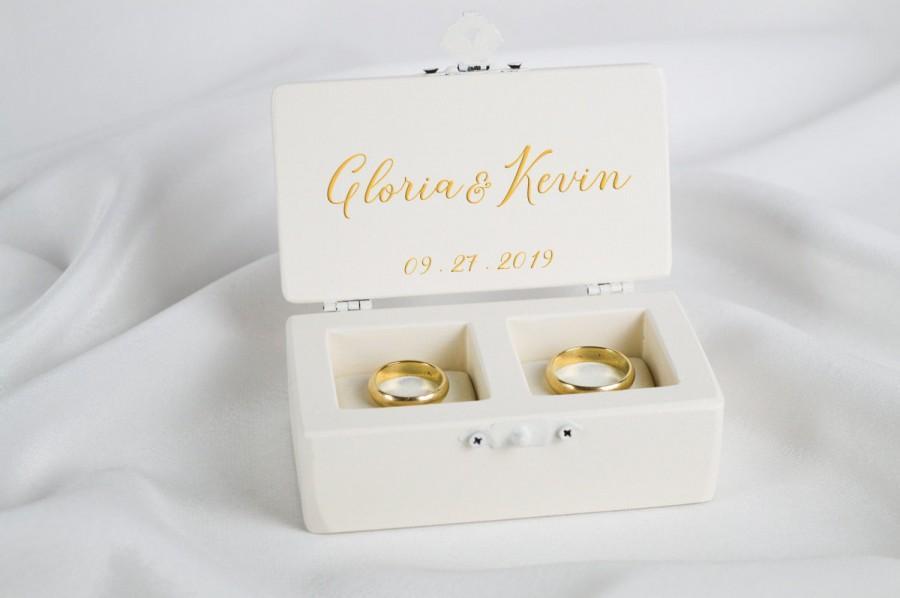 Hochzeit - Ivory Ring Box, Wedding Ceremony Ring Box, Ring Bearer Box, Personalized Wedding Ring Holder