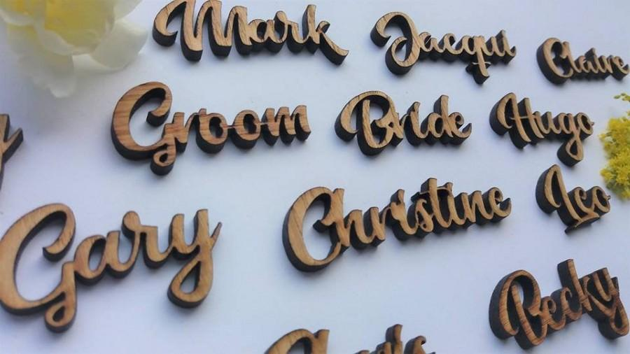 Mariage - Oak Place Name For Wedding Guests - Wooden Cut Outs - WeddingTable Decor - Wedding Confetti Table Plan