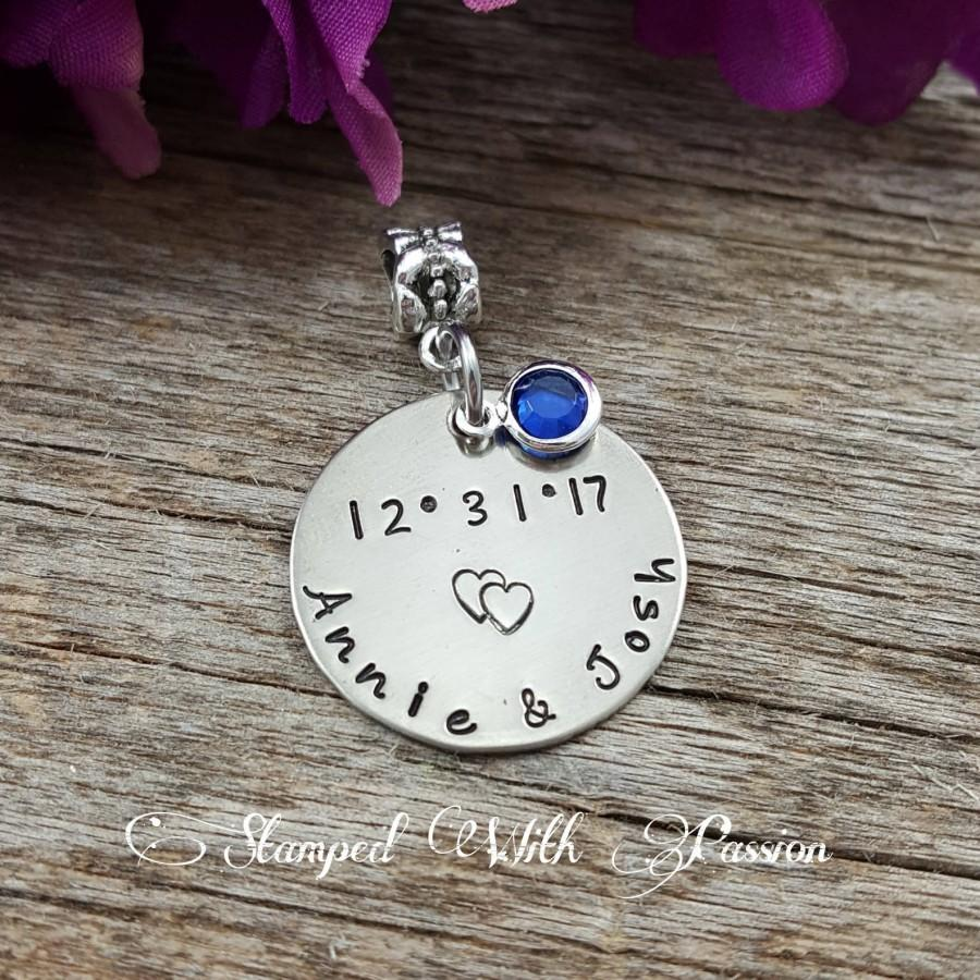 Mariage - Something Blue -Personalized Bridal Bouquet Hand Stamped Charm - Wedding Date with Couple names