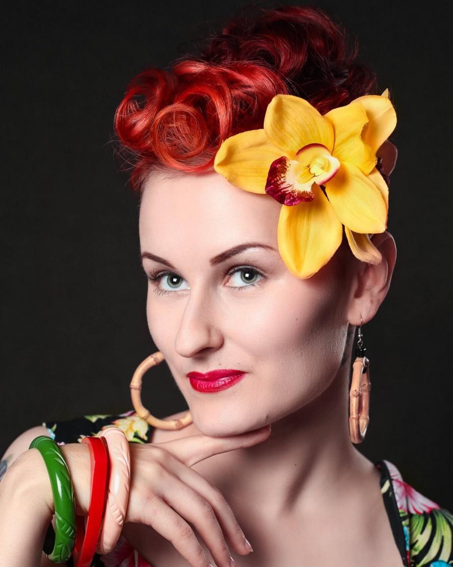 Свадьба - Orchid Hair Clip, Hawaiian Hair Clip, Tropical Hair Flower, Bridal Hair Clip, Pinup Hair Flower, Tropical Hair Clip, Tiki Hair Flower, Gold