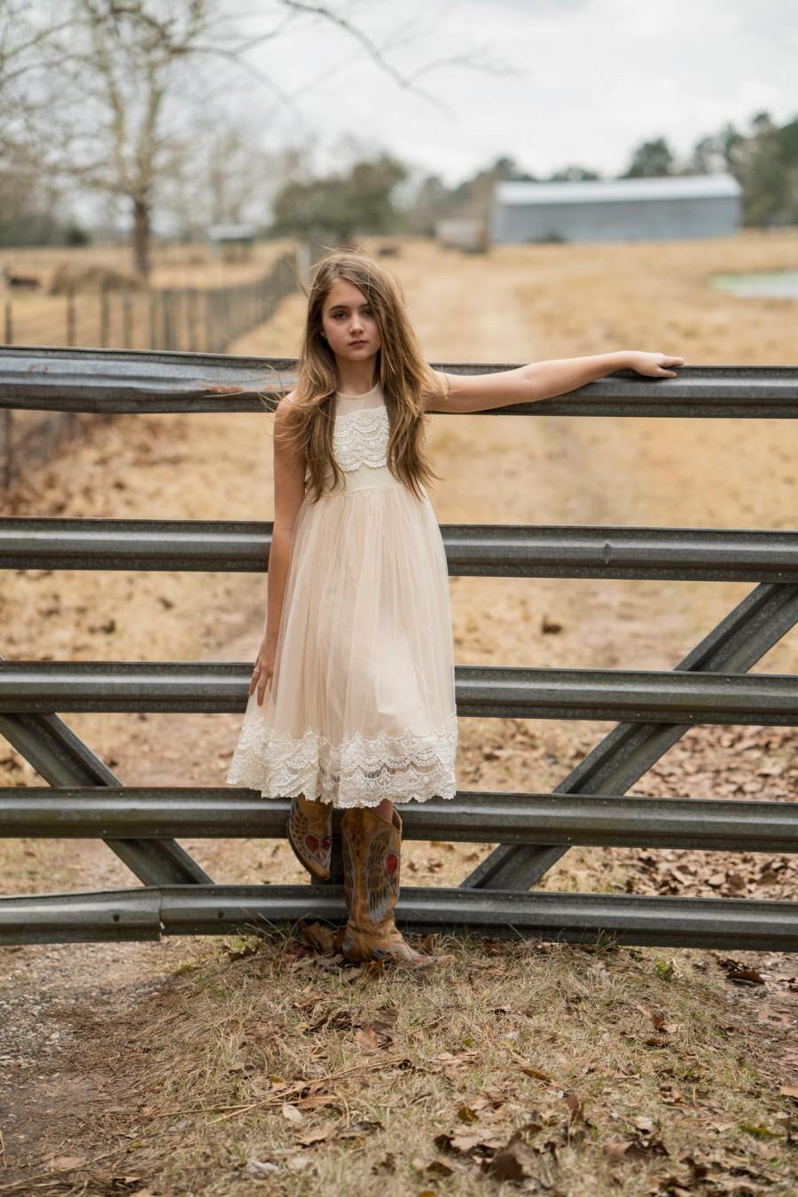 زفاف - Junior Bridesmaid dress,ivory flower girl dress,vintage girls dress,flower girl dress,girls dress,country flower girl,ivory lace dress