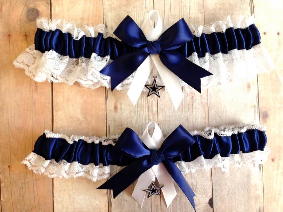 Свадьба - Dallas Cowboys Wedding Garter Set   Lace   Handmade  keepsake and toss NNWG