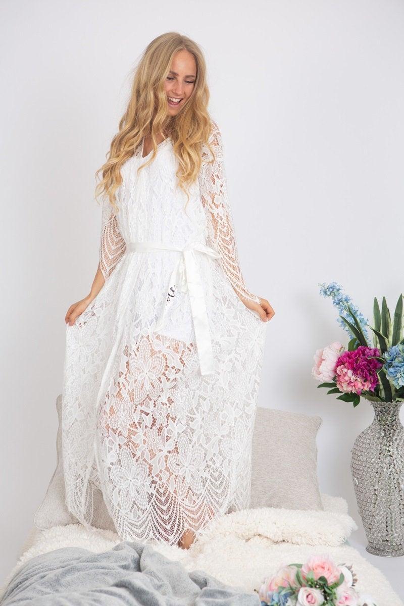 Mariage - Long lace bridal robe, Lace robe, Long lace robe, Bride robe, bridal maxi lace robe, Bridal robes, wedding lace robes