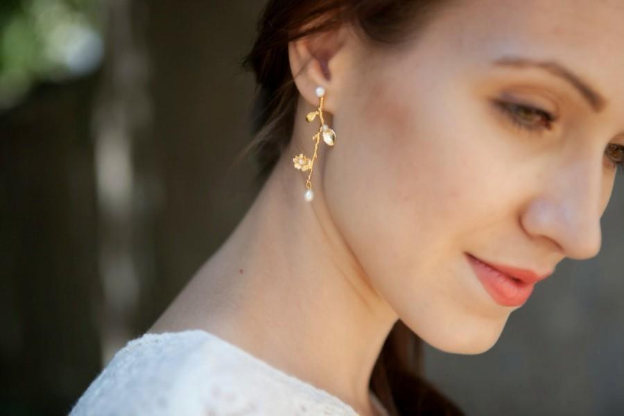 Mariage - Bridal Pearls Earrings, Bridesmaid Gift, Wedding Earrings, Pearls Bridal Jewelry, Gold Pearl Bridal Earrings, Branch Earrings, Twig Jewelry