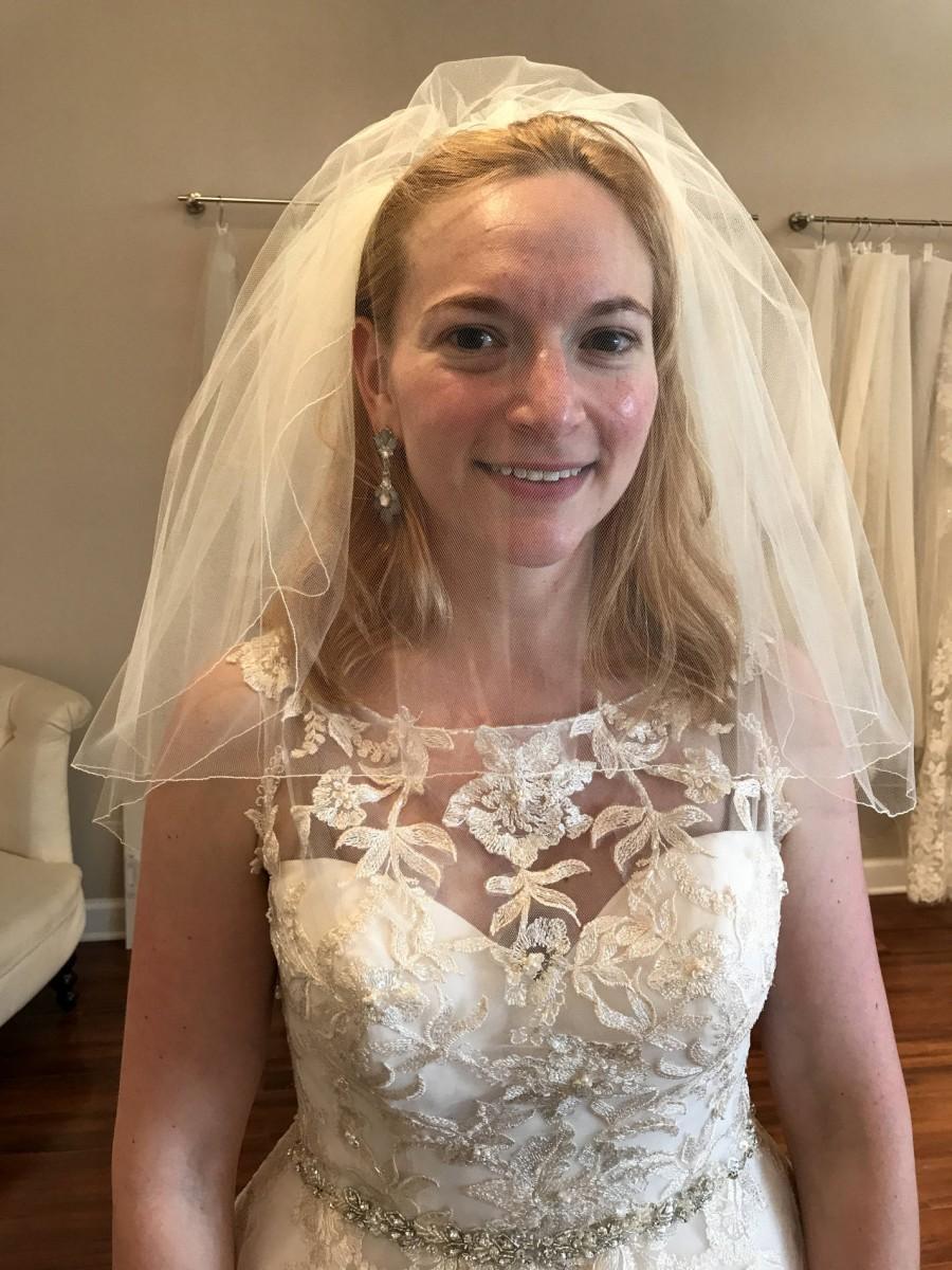 Hochzeit - Short Bridal Veil, 2 Tier Veil, Pencil Edge Veil, Shoulder Length Veil, 20 Inch Veil, Double Layer Veil, H1051