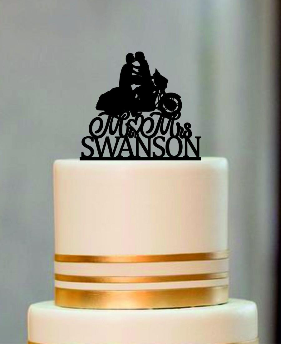 Mariage - Custom Wedding Cake Topper Mr and Mrs with a Motorcycle, Rustic Wedding Cake Topper, Unique wedding Cake Topper, Personalized Cake Topper