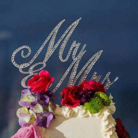 "Свадьба - Custom Gorgeous Swarovski Crystal ""Mr & Mrs"" wedding Cake toppers 6'', rhinestone cake topper, bling Mr and Mrs"
