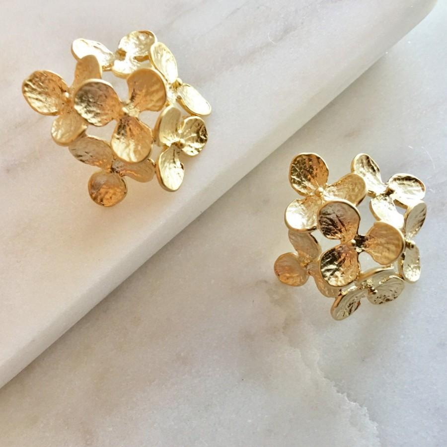 Mariage - Gold Hydrangea Earrings - Gold Flower Earrings, Gold Statement Earrings, Bridesmaid Earrings Gift, Bridal Earrings, Gold Floral Studs