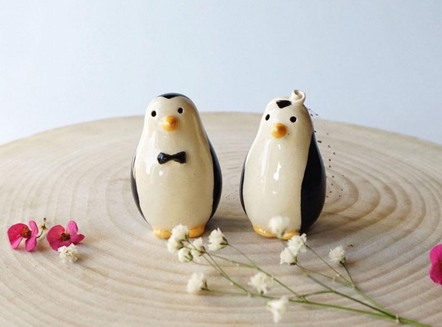 زفاف - Handmade Ceramic Penguin Couple Cake Toppers