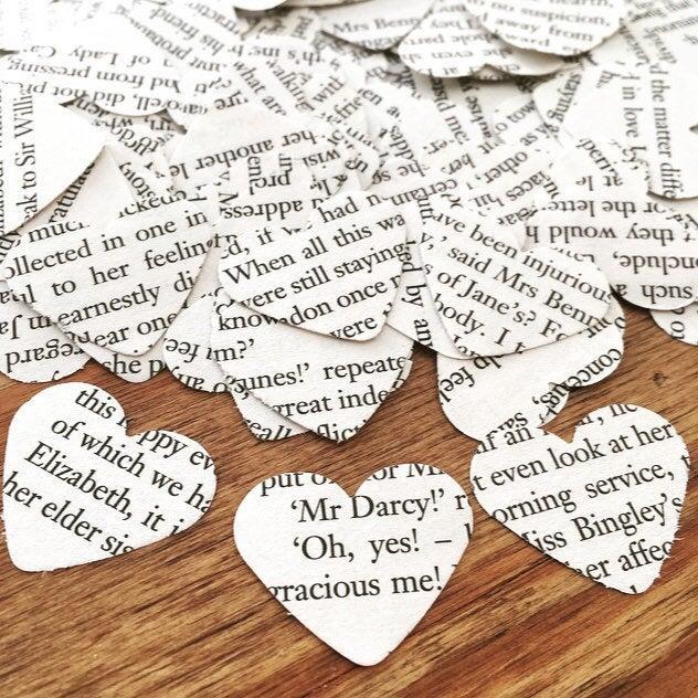 Mariage - Book Page Confetti, CHOOSE BOOK, Heart Paper Confetti, Table Confetti, Table Scatters, Rustic Wedding, Literary Wedding - (200 Pieces)
