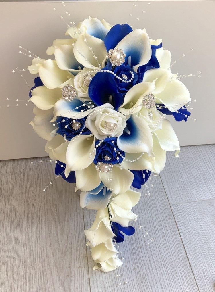 زفاف - Bride blue and ivory calla lily teardrop bouquet artificial wedding flowers real touch calla lilies foam roses pearls diamante brooches