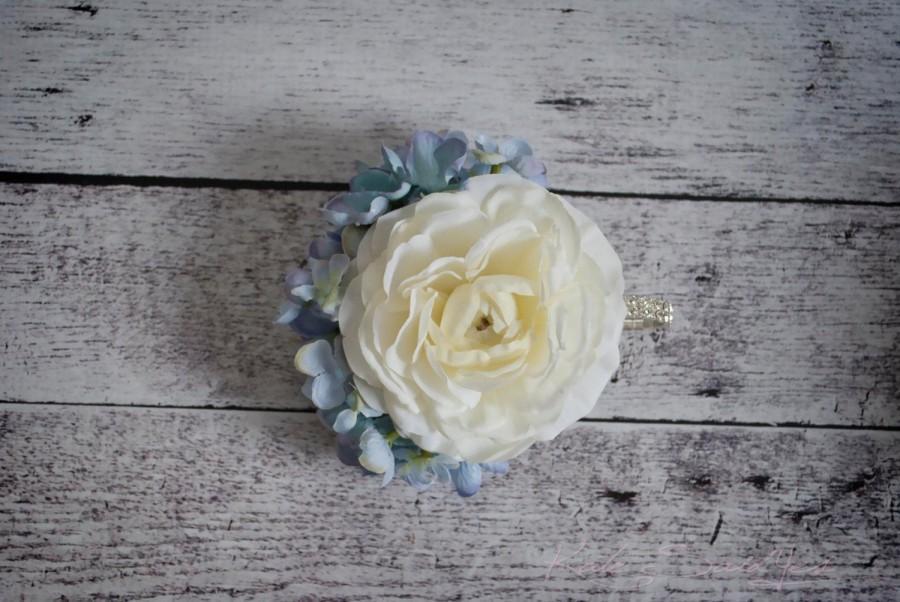Свадьба - Ivory Ranunculus and Blue Hydrangea Wedding Corsage