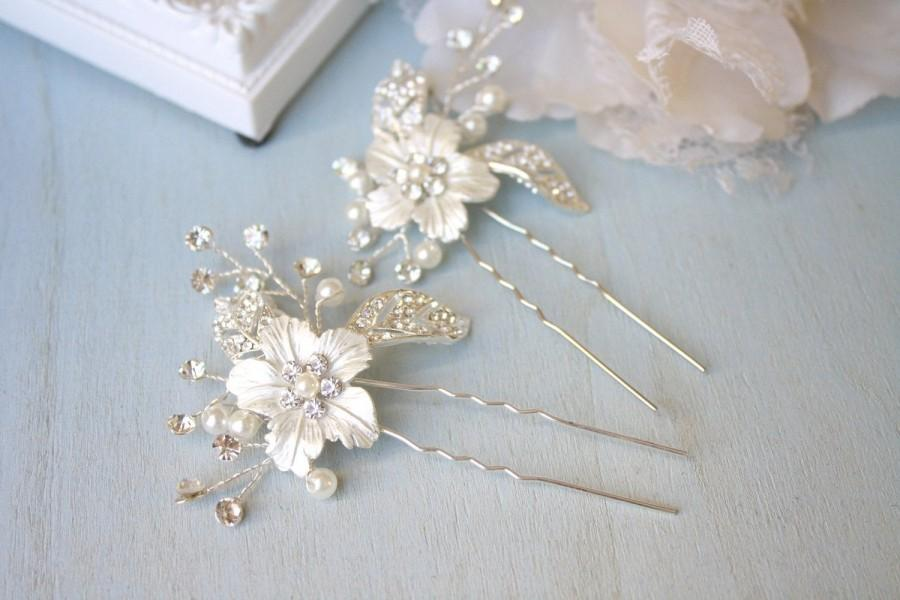 Mariage - Silver, Rhinestone, Bridal hair accessory, Bridal hair pin, Wedding hair accessory, Rhinestone flower accessory