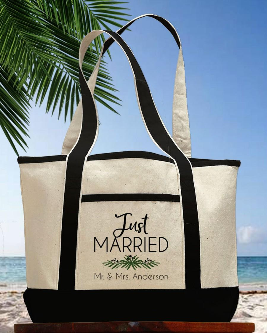 Mariage - Newlywed Honeymoon Tote Bag, Custom Honeymoon Bag, Just Married Beach Bag, Personalized Wedding Gift, Mr. and Mrs. Tote Bag, Bridal Shower