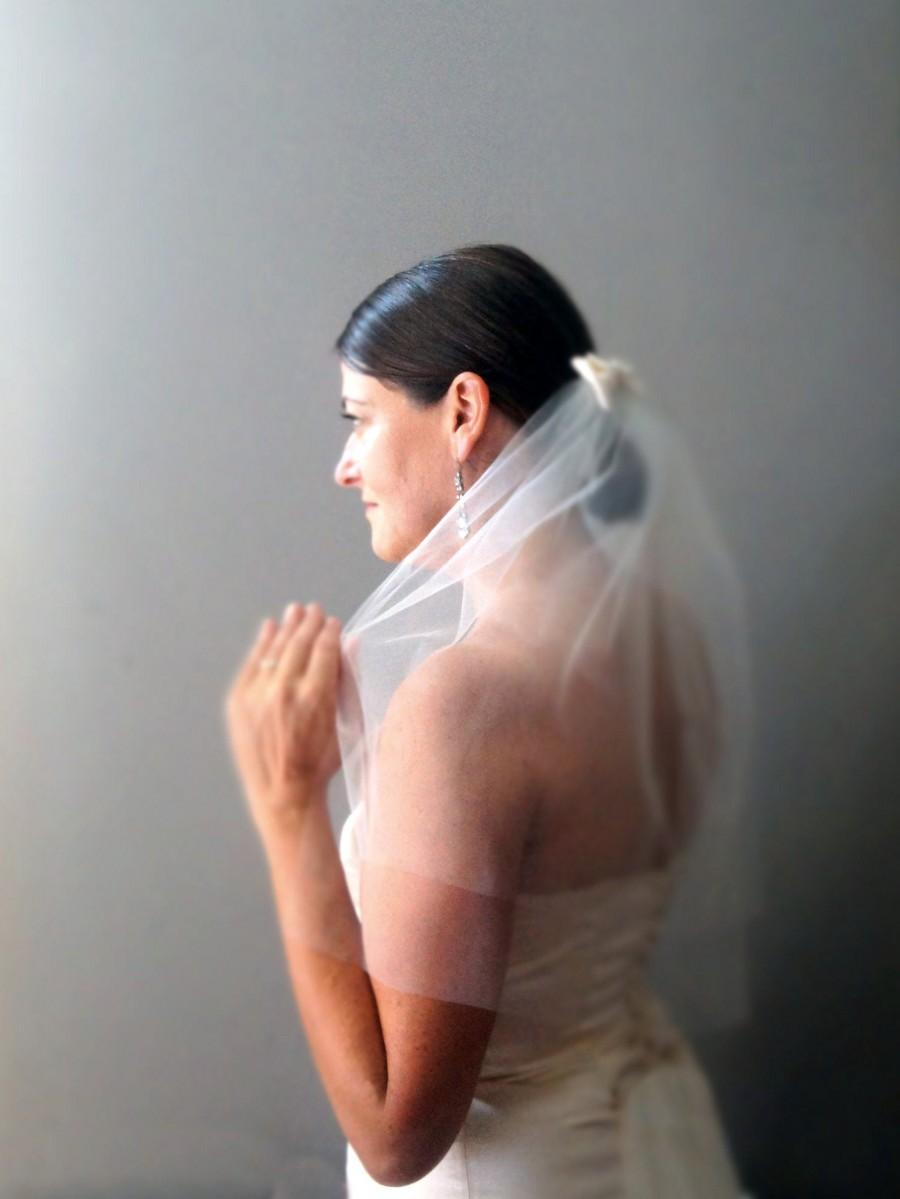 Mariage - Elbow Length Veil, 1950's Vintage Style Ivory Tulle with Vintage Silk Satin Bow Comb 'Eva'
