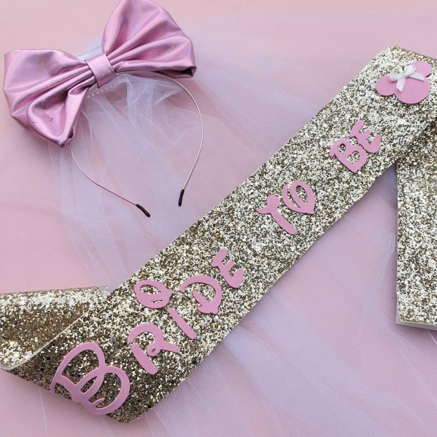Mariage - Disney bachelorette - minnie mouse Hen Party sash - GOLD Bride to be - gold glitter handmade Bachelorette Sash - Hen Party Sash Disney veil