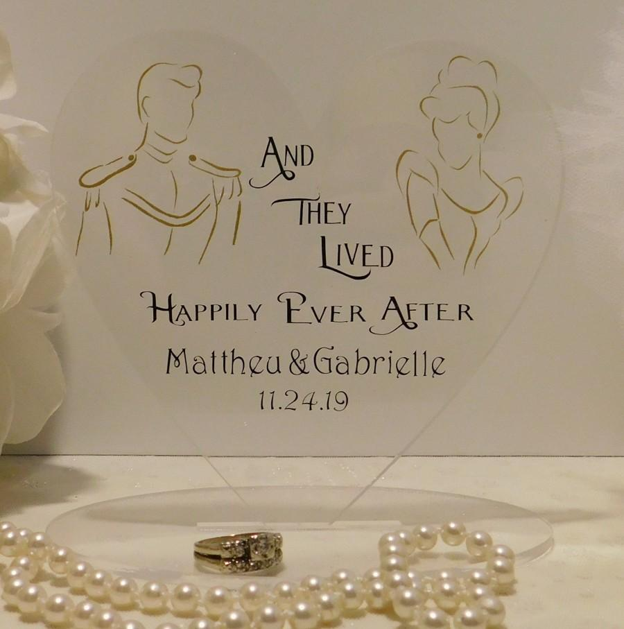 Hochzeit - Fairytale Personalized Wedding Cake Topper ~ Cinderella and Prince Charming ~ Unique Disney Inspired Happily Ever After ~ Mr and Mrs
