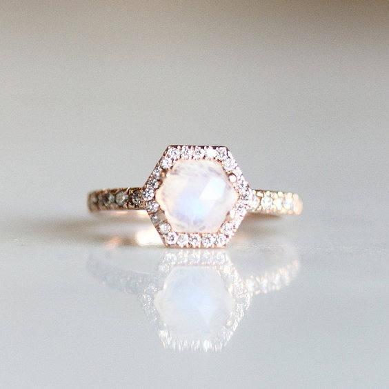 Mariage - Moonstone Engagement Ring