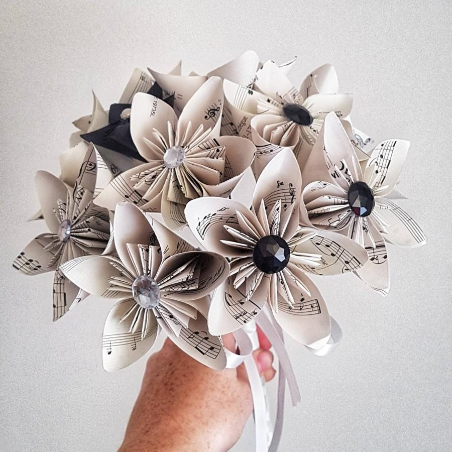 Свадьба - music sheet paper flowers - origami kusudama - alternative wedding bouquet, paper anniversary, gift, mothers day, Valentine's day