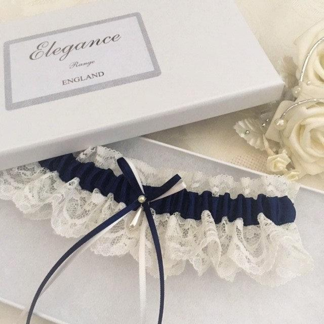 Свадьба - Something Blue Wedding Garter, Navy blue and ivory -available in S/M & Plus size/Large
