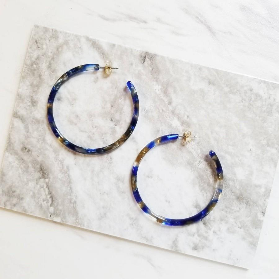 Свадьба - Emma Pacific Blue Minimalist Hoop Earrings, Tortoise Earrings, Tortoise Shell Earrings, Tortoise Shell Hoop Earrings, Tortoise Hoop Earrings