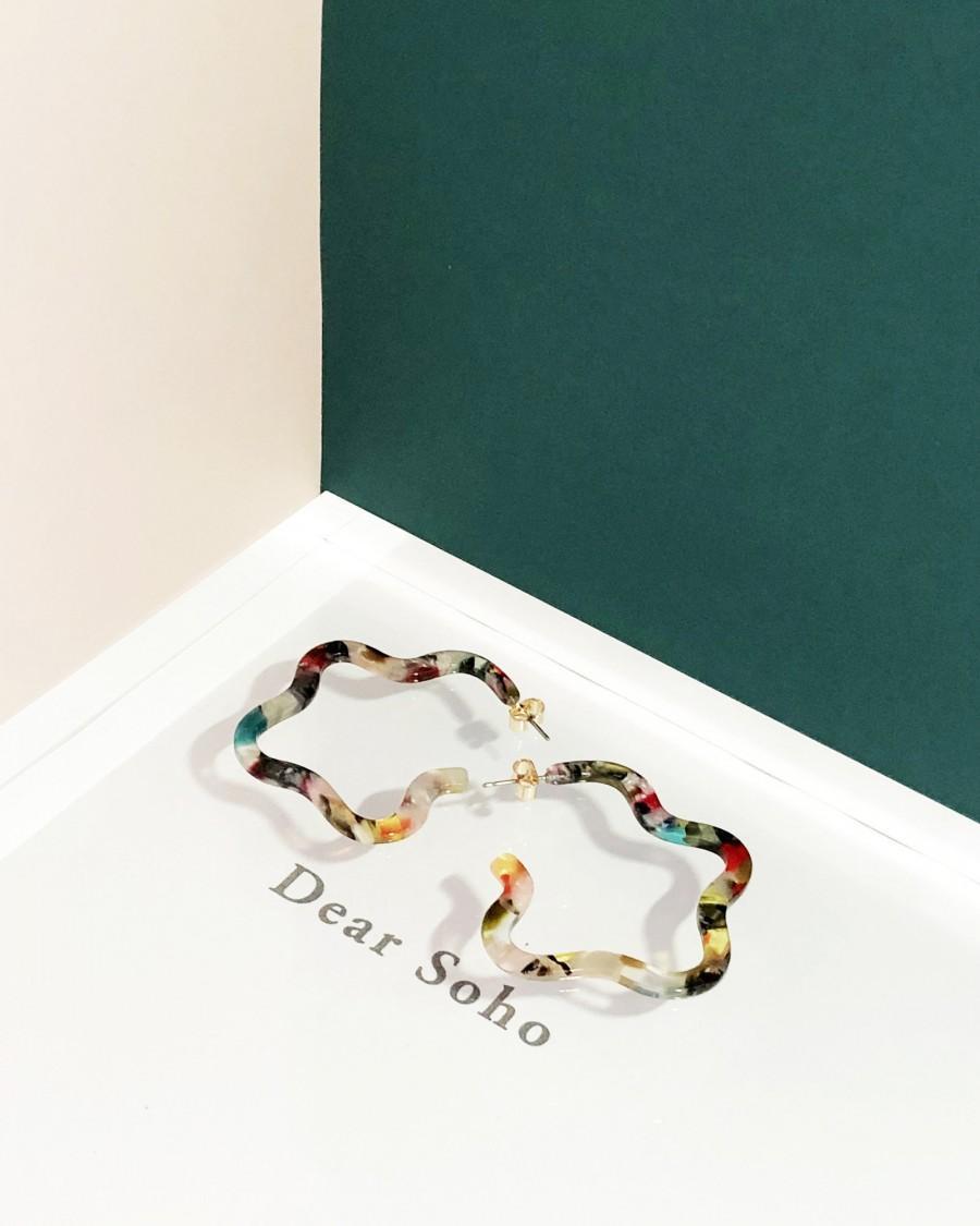 Hochzeit - Helen Multi Color Tortoise Hoop Earrings, Tortoise Shell Earrings, Statement Earrings, Floral Earrings, Irregular Shape Tortoise Earrings