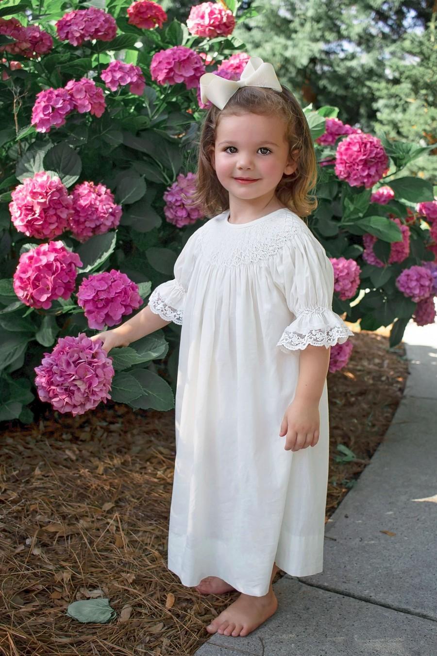 Mariage - Ivory Smocked Heirloom bishop Dress