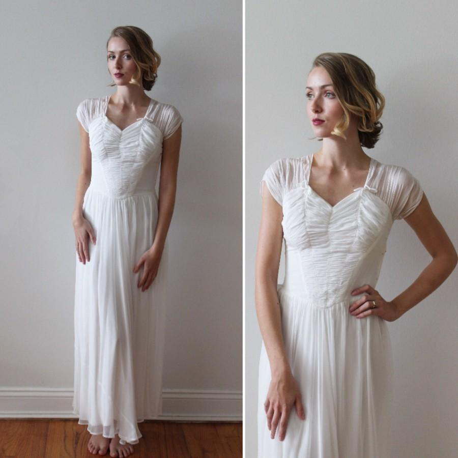 Mariage - Vintage 1930s Silk Short Sleeved Ballet Length Wedding Dress AS IS