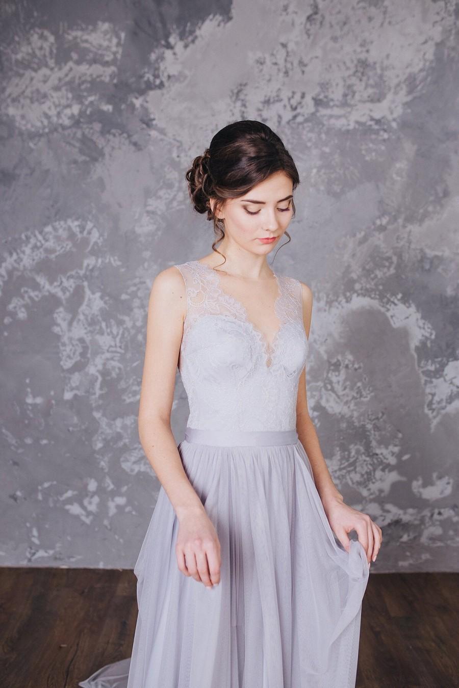 Свадьба - Bohemian wedding dress Simple wedding dress Romantic wedding dress Romantic bridal gown Gray Lace  Bridal  Dress Light Beaded Wedding dress